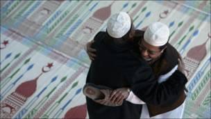 शुभकामना दिंदै मुसलमानहरु