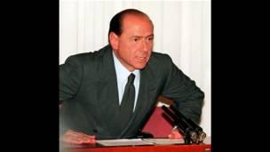 Berlusconi anuncia el colapso de su coalición