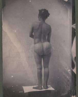 Strinée, africana de etnia khoisan (ou hotentote). Foto: Louis Rousseau / Museu do Quai Branly