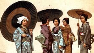 Phụ nữ Nhật mặc kimono