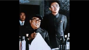 Hai cha con Kim Il-sung vào năm 1980