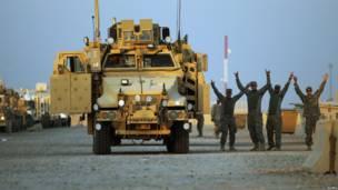 Военнослужащие США радуются отъезду домой