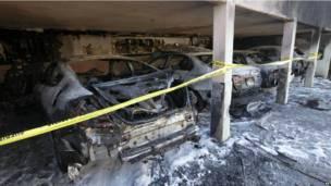Обгоревшие машины