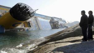 Пассажиры слышали громкий звук удара до остановки лайнера