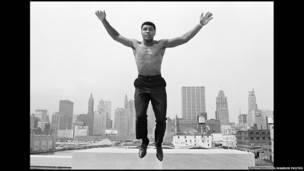 محمد علي، د وزن پورته کولو مخکنی اتل سږکال ۷۰ کلن شو.