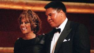 Whitney Houston y Muhammad Alí