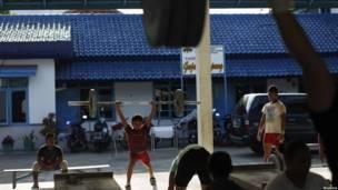 Тренировка детей-тяжелоатлетов