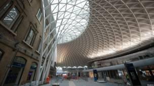 2012年3月6日車站西翼翻新工地狀況