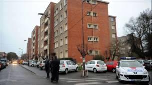 Операция по поимке подозреваемого в убийствах во Франции