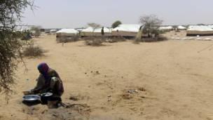 Inkambi y'impunzi ya HCR hafi y'umujyi wa Abala, Niger