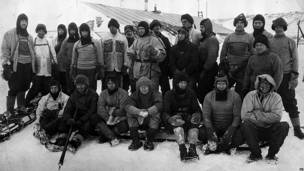 equipo expedicionario de Robert Falcon Scott en su campamento en Antartica