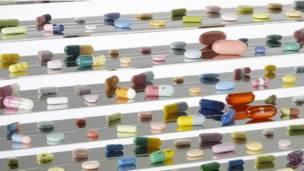Дэмиен Херст, таблетки и капсулы с лекарствами