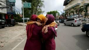Warga Banda Aceh yang panik karena gempa