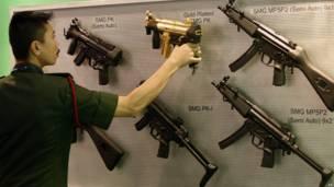 Ярмарка оружия в Малайзии