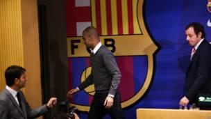 "Тренер футбольного клуба ""Барселона"" Хосеп Гвардиола на пресс-конференции в Барселон"