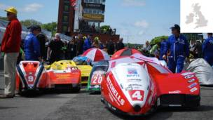 Carros do Tourist Trophy, na Ilha de Man  (Fotos: LOCOG/VisitBritain.com)