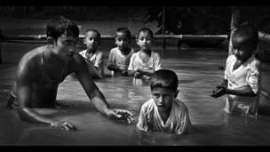 Crianças em Bangladesh (Foto: Inspired by Sport)