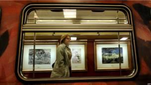 Выставка акварелей в московском метро