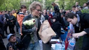 Гражданские активисты в Москве на Чистых прудах. Фото: dervishv