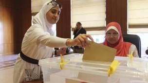تصويت في عمان