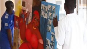 Tranh của Augustin Kassi tại Abidjan, Bờ Biển Ngà, ngày 3 tháng 5 năm 2012