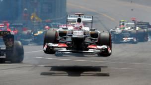 مارك ويبر يفوز بسباق موناكو للفورمولا - 1