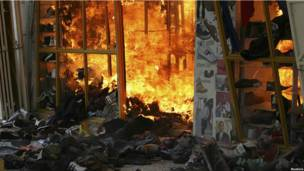 Пожар в торговом комплексе в Найроби