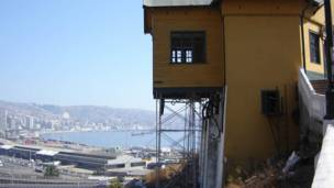 Ascensores Valparaiso (Fotos: www.ascensoresvalparaiso.org / www.leapfrog.cl)