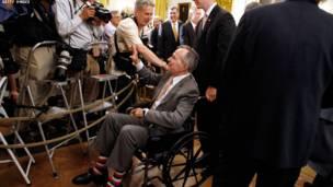 بوش يعود للبيت الابيض...ولكن ليزيح الستار عن صورته الشخصية