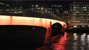 """""""جسر لندن"""""""