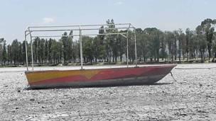 Lago artificial del Bosque de Tláhuac. Foto: Alberto Nájar.