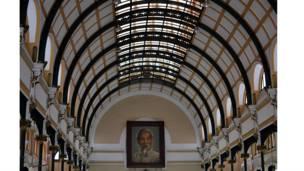 Hình ảnh ông Hồ Chí Minh tại bưu điện ở tp Hồ Chí Minh