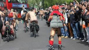 綠色出行工具除了兩輪單車,滑輪、甚至殘疾人用的三輪車也是選擇哦!