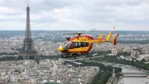 Trực thăng được triển khai trên bầu trời Paris để đảm bảo an ninh cho buổi diễu binh