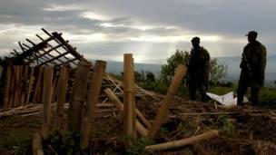 Casas destruídas pelos conflitos.