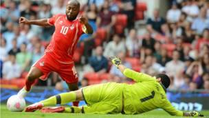 Ismaeil Matar anota el primer gol del partido