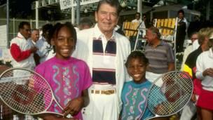 Venus da Serena Williams tare da tsohon shugaban Amurka, Reagan a shekarar 1990