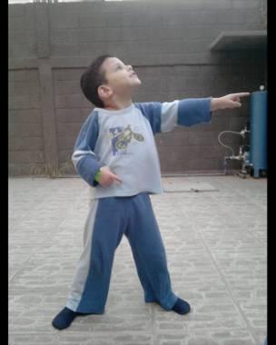 El hijo de un lector de BBC Mundo posa como Usain Bolt