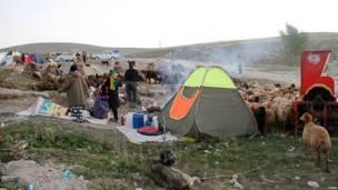 Lều tạm của người sống sót ở khu vực thảm họa