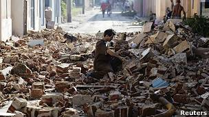 Una calle de Santiago de Cuba tras el paso del huracán Sandy