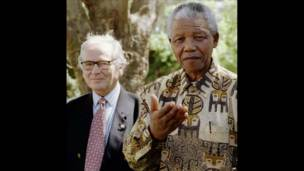 Nelson Mandela bertanya pada wartawan
