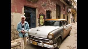 Vendedor de pesos cubanos en La Habana, enero 2010