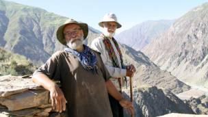 عالم روس نیکیتین و عالم تاجیک اکبراف