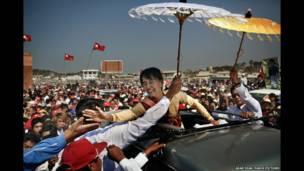 سان سوشي تقوم بحملة في بورما