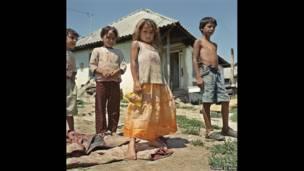 Yvonne de Rosa trabalha com instituição de caridade que tenta melhorar situação de crianças e jovens de famílias ciganas