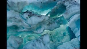 मेंडेनहॉल ग्लेशियर, ज्यून्येउ, अलास्का 9-2010