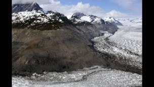 कोलम्बिया ग्लेशियर, अलास्का, अमरीका, 23 जून 2006