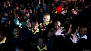 दक्षिण अफ़्रीक़ा के पूर्व राष्ट्रपति नेल्सन मंडेला के 95वें जन्मदिन का जश्न