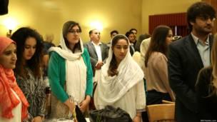 मलाला की इस इफ्तार पार्टी की मेजबानी ब्रिटेन में अफगान स्टूडेंट असोसीएशन ने की.