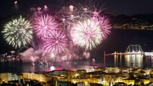 फ्रांस के कान में आतिशबाज़ी का उत्सव